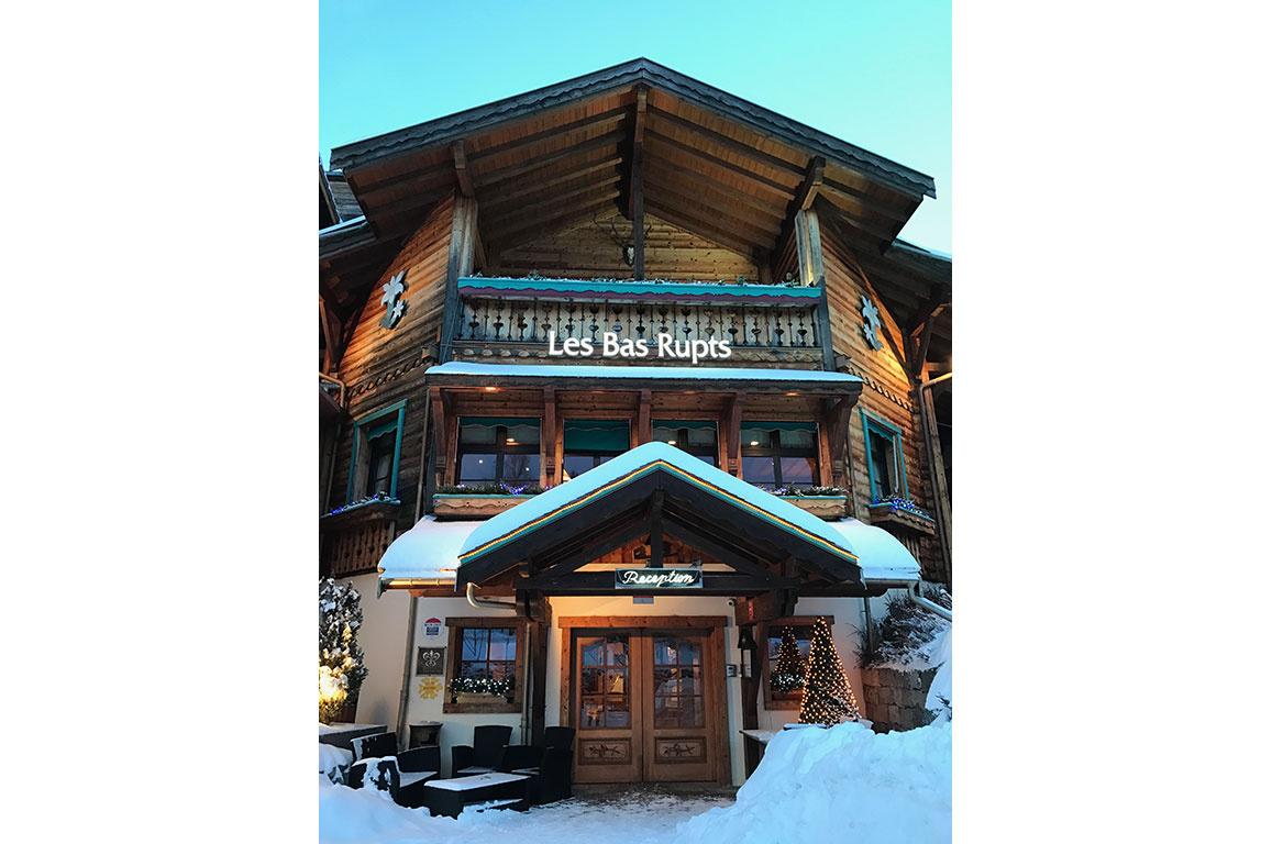 Am Fusse der Skigebiete